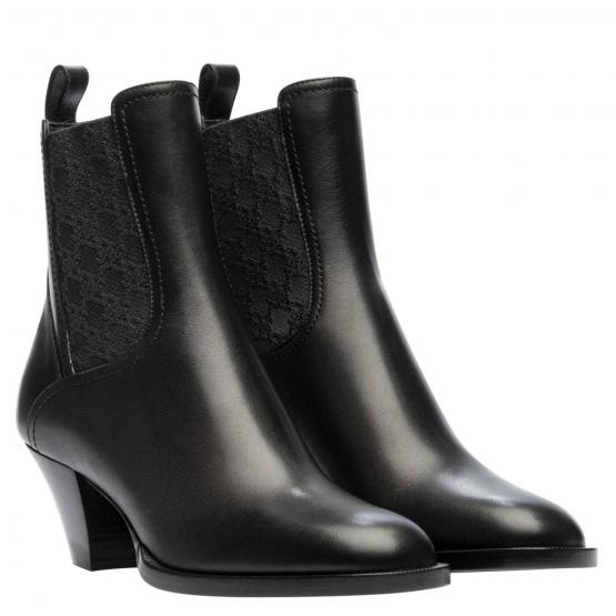 8T8174 AGE2 F1OS5 BOOTIE